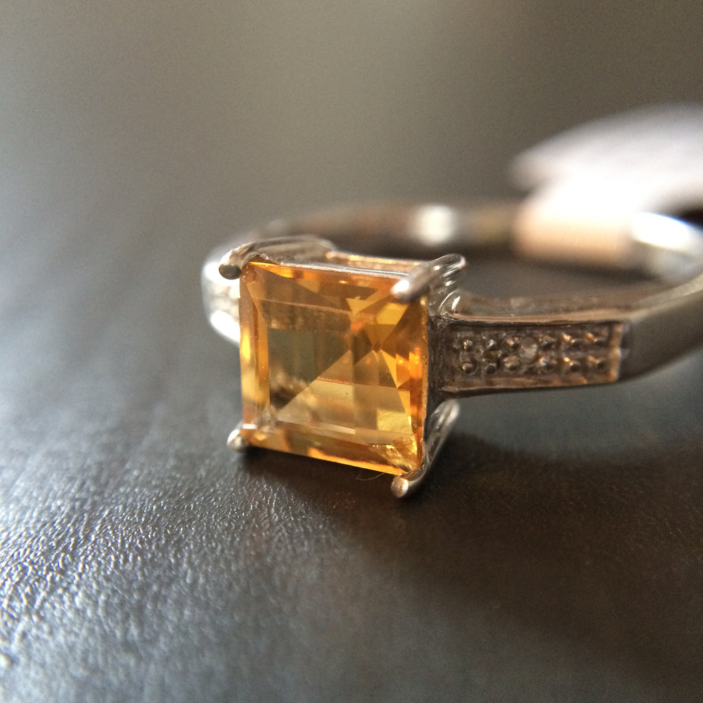 Simple Set Square Citrine Ring - Size 7 - LittleGemsUSA - 1