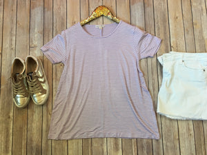 The Abigail tee in lavender - Comfy and Chic Boutique