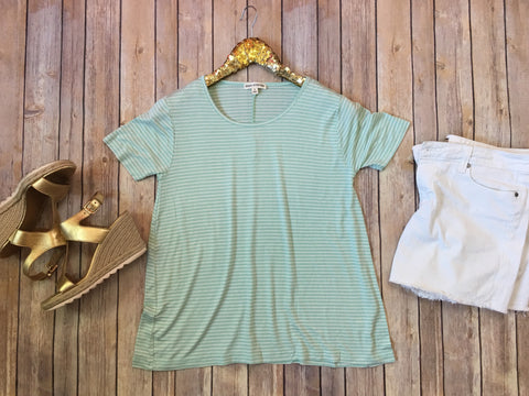 The Abigail tee - Comfy and Chic Boutique