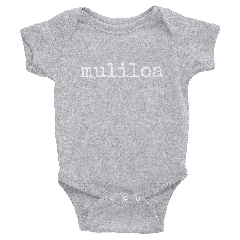 grey baby Ivy & Co. onesie with white writing that says muliloa or youngest child