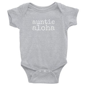 grey baby girl Ivy & Co. onesie with white writing that says auntie aloha