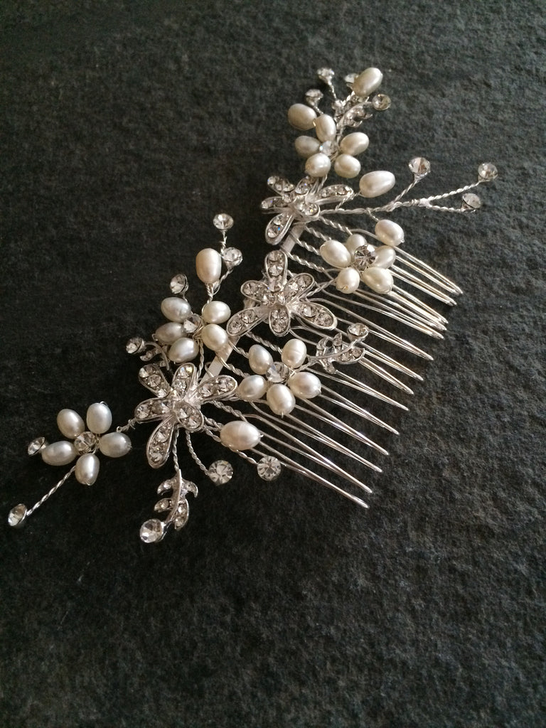"PRETTY DIAMANTE FLOWER AND FRESHWATER PEARL BRIDAL HAIR COMB  ""DAISY"""