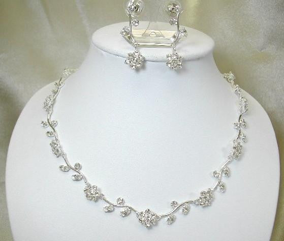 "CRYSTAL AND PEARL FLOWER BRIDAL JEWELLERY SET ""SNOW QUEEN"""