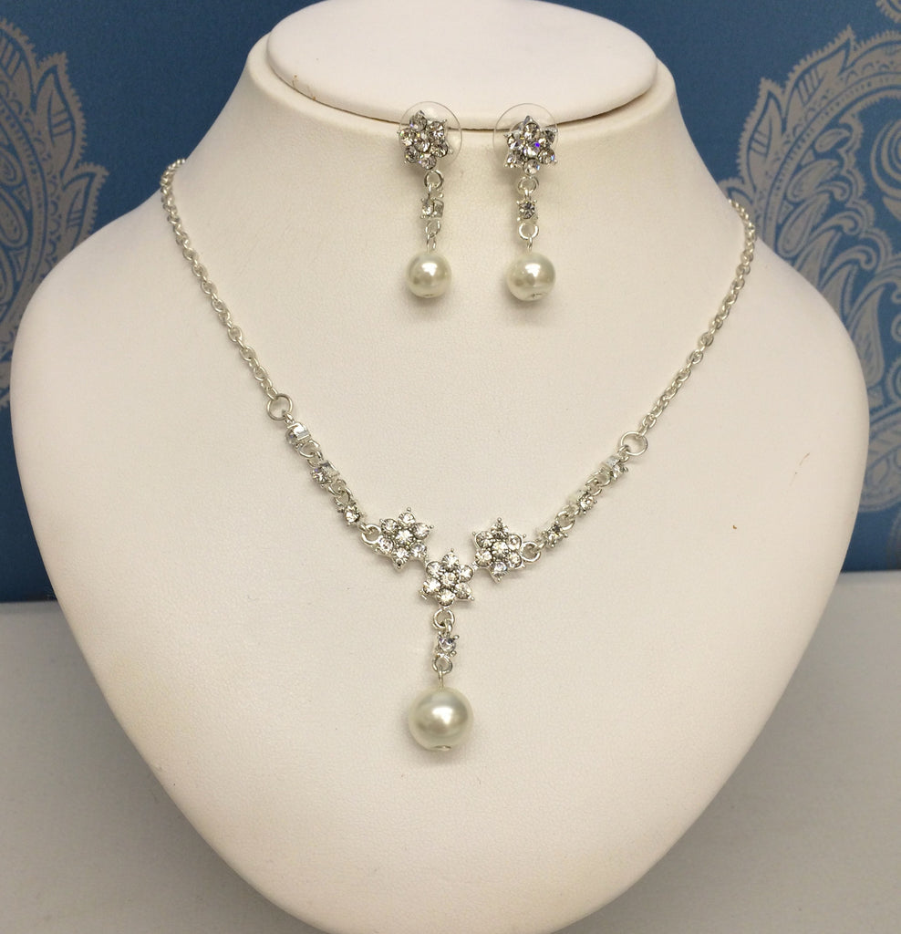 "DIAMANTE AND PEARL DROP JEWELLERY SET ""DAISY"""