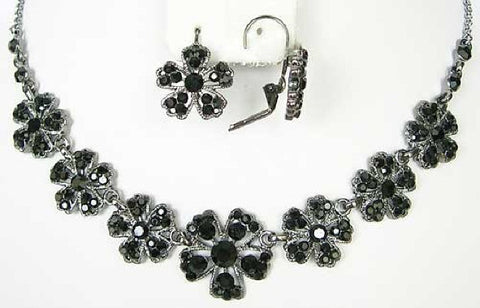Vintage Black crystal flower necklace - Soiree- Mother f the bride - sherocksbridaljewellery.com