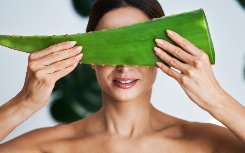 Get Rid of Under Eye Circles With Aloe Vera