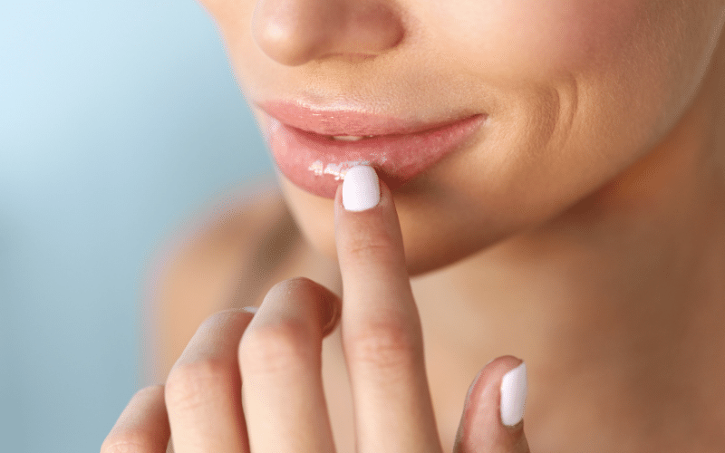 Lighten Lips with Almond Oil: How it works