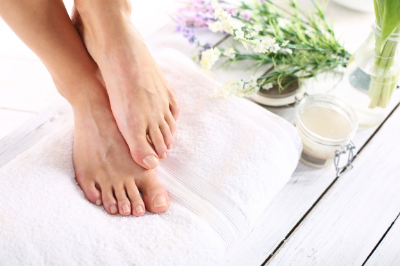 aloe vera natural remedy for cracked feet