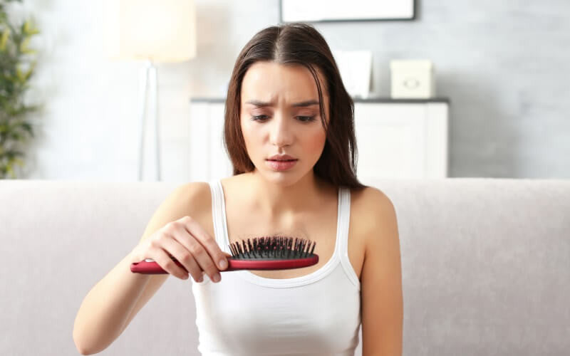 Symptoms and Causes of Hair Loss