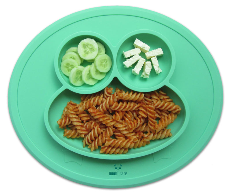 These no mess portable kids suction bowls and plates are also extremely durable and long-lasting. and are perfect mats for baby led weaning and toddler dining.