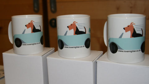 3 mugs featuring Bronwyn the dog in a convertable car