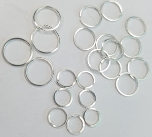 Round cartilage piercing - Square wire mini hoop single earring
