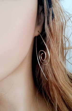 Long Spiral Minimalist Threade