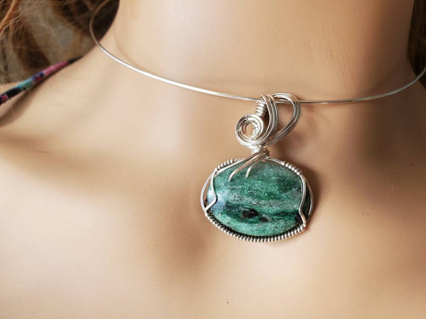 Sparkley Green Fuschite Gemstone Hand-Sculpted in Argentium Sterling Silver (tarnish resistant) wire