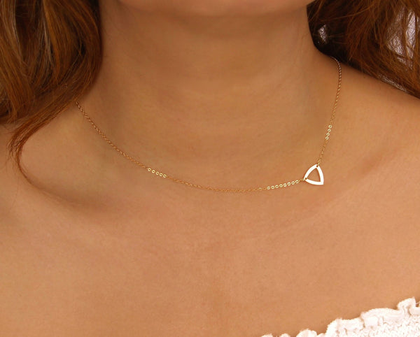 Outline Triangle Choker Necklace
