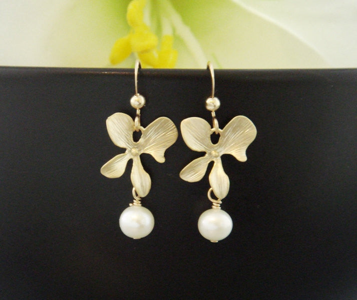 Orchid Pearl Earrings