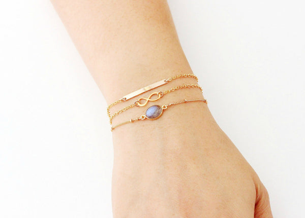 Skinny Short Bar Bracelet