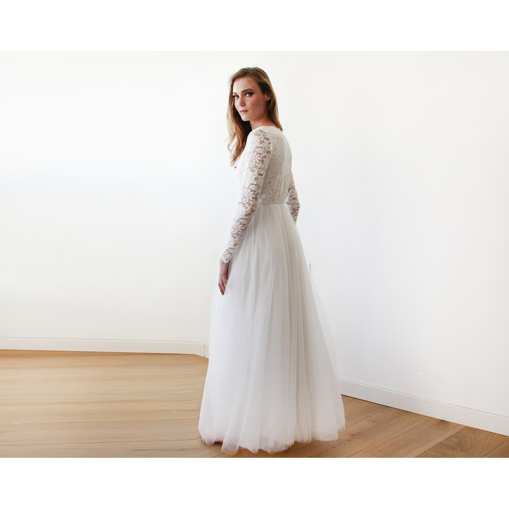 Ivory Tulle and Lace Long Sleeve Wedding maxi dress | Style&Pose