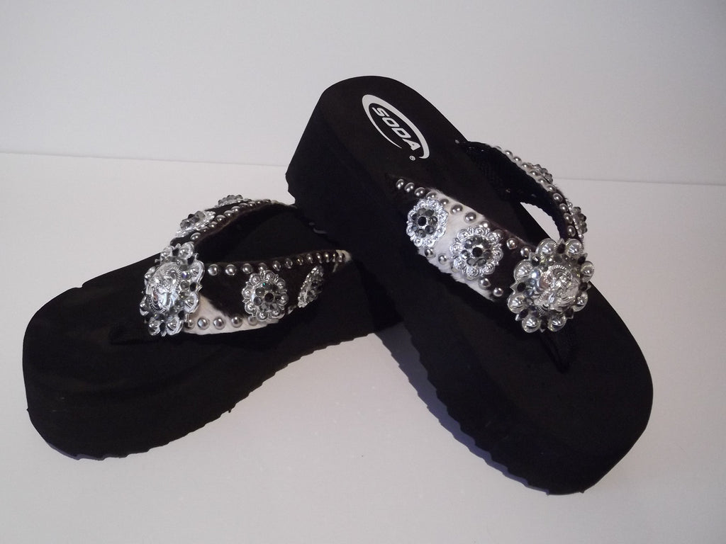 Custom Cowgirl Flip Flops - The Pistoleros