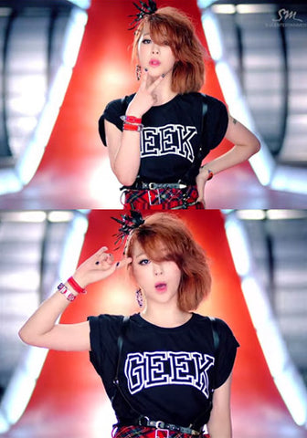 F(X) Sulli RUM PUM PUM PUM MV Geek Crop Top