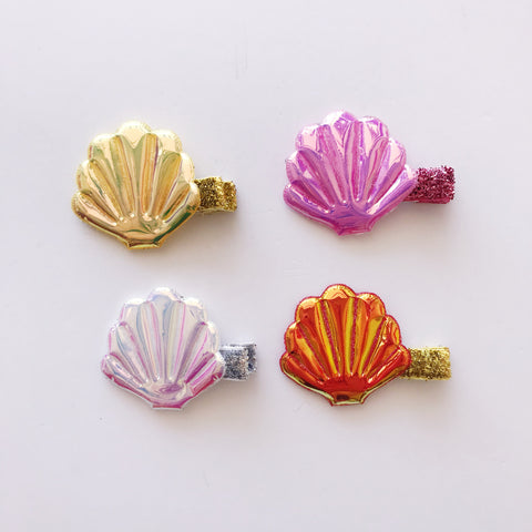 Holographic Seashell Hair Clip