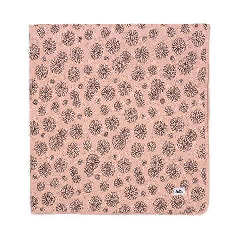daisies print swaddle- blush