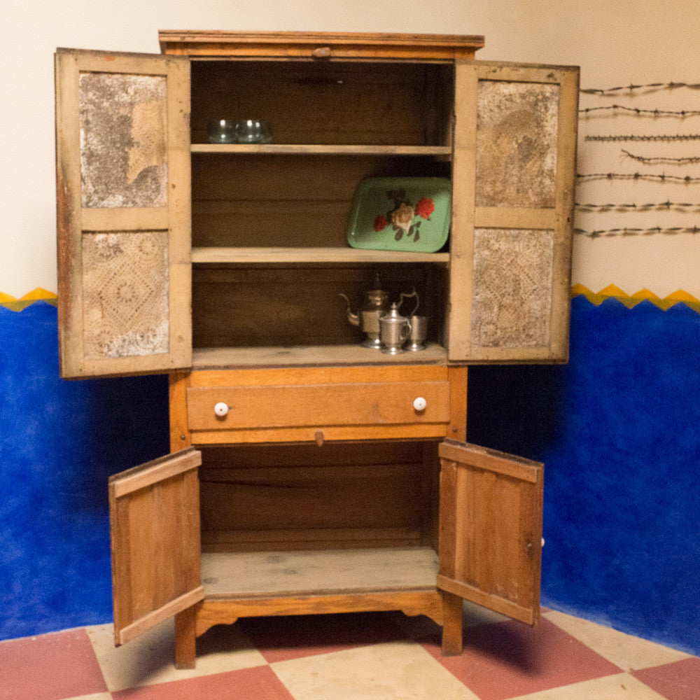Buckie's Baked Goods Cabinet
