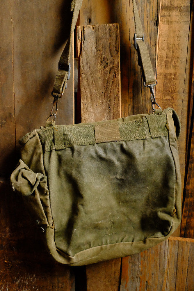 Vintage Army Shoulder Backpack Back Detail