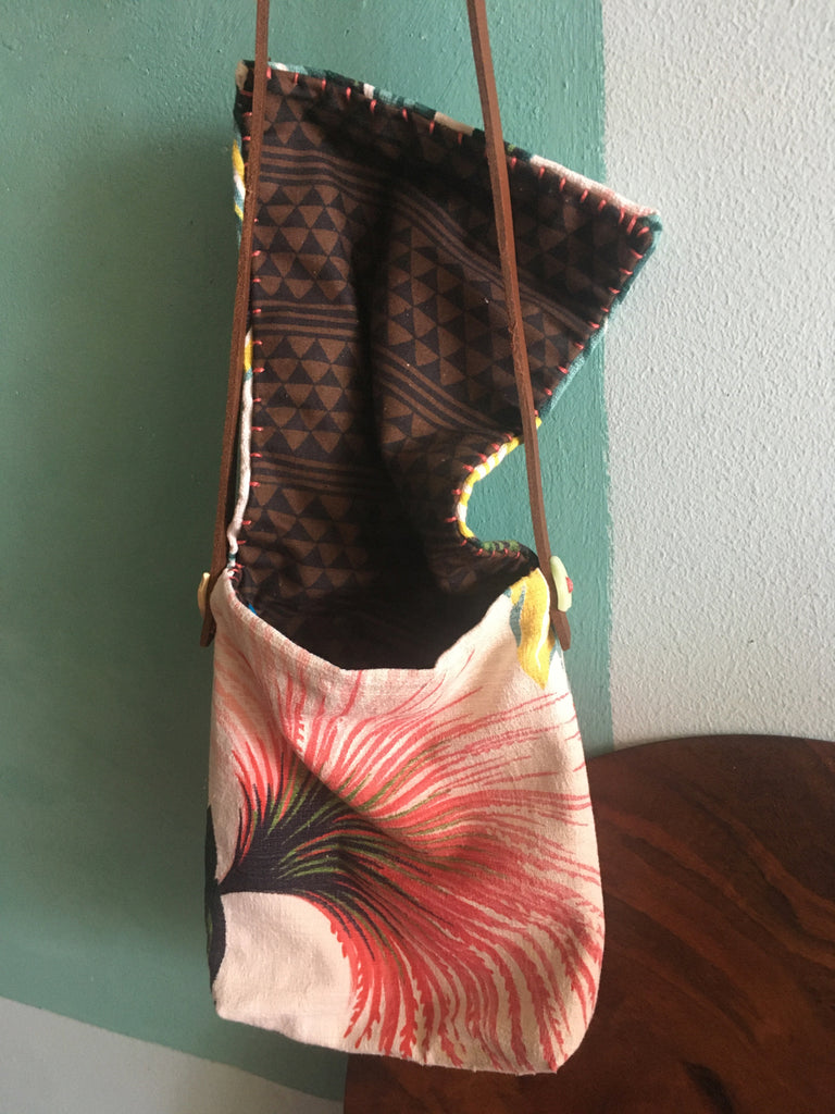 Bella's banana leaf shoulder bag