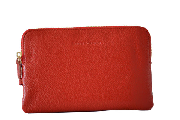 Smith & Canova Power Purse Red -  A purse that charges your mobile on the move!