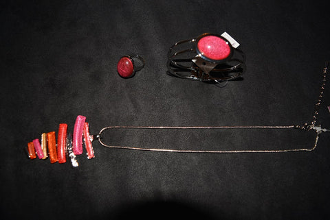 Orange/Pink/Red Line Design Necklace