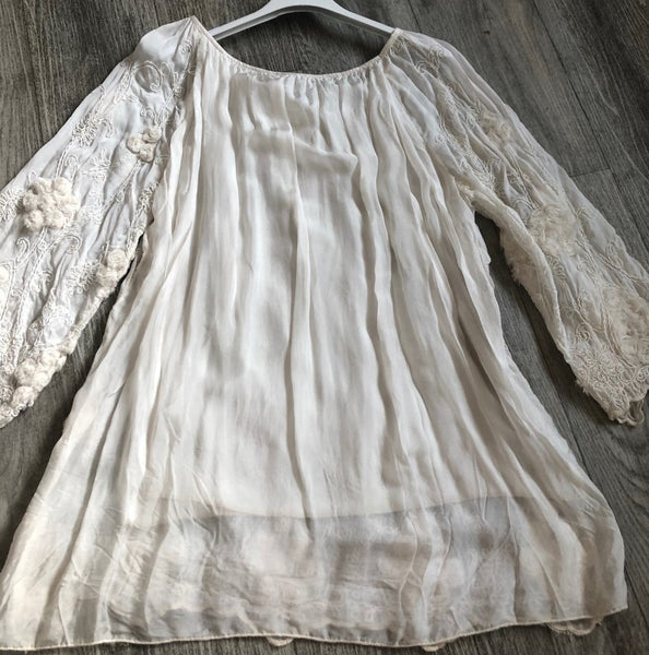 Leaf Embellished Gypsy Top in Cream