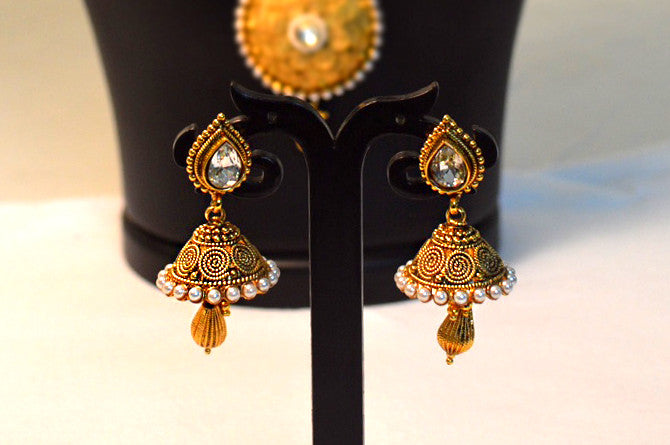 Beautiful Golden designed 2 Jewellery Sets - Dailybuyys