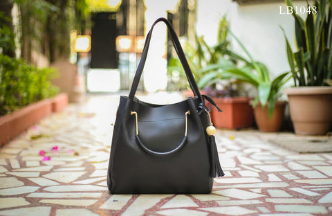 Black Hand Bags