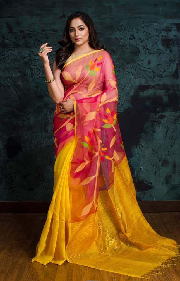 Yellow Matka Muslin Jamdani Sarees (Add to Cart Get 15% Extra Discount)