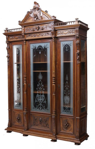 Italian Renaissance Revival Carved Walnut Cabinet / Bookcase 19th century