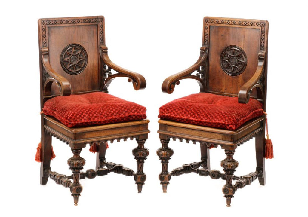 Pair Of English Gothic Revival Style Hall Chairs 19th Century ( 1800s )