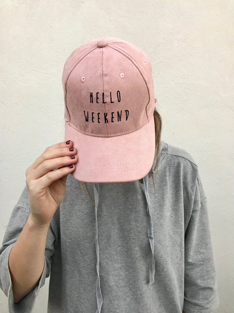 """hello weekend"" hat in pink"