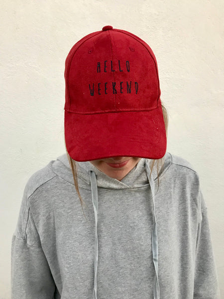"""hello weekend"" hat in crimson"