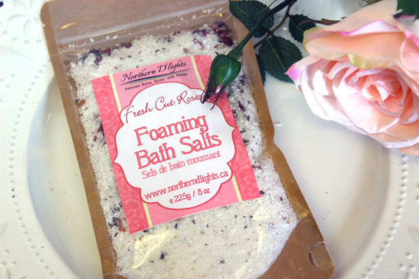 Rose scented Foaming Bath Salts - Northerndlights