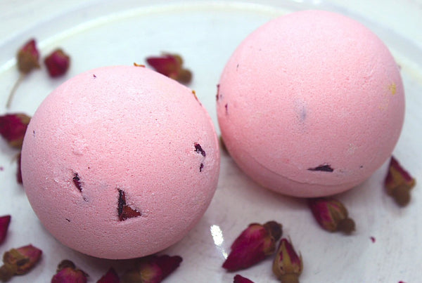 Rose Scented Bath Bomb - Northerndlights