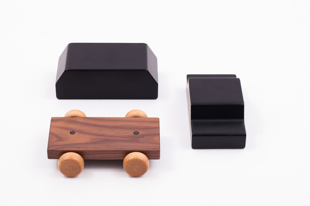 Classic Dream Car - Wooden with Magnets HUZI DESIGN - www.fourmonkeys.com