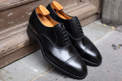 Carlos Santos Classic Oxford in Black with Dainite