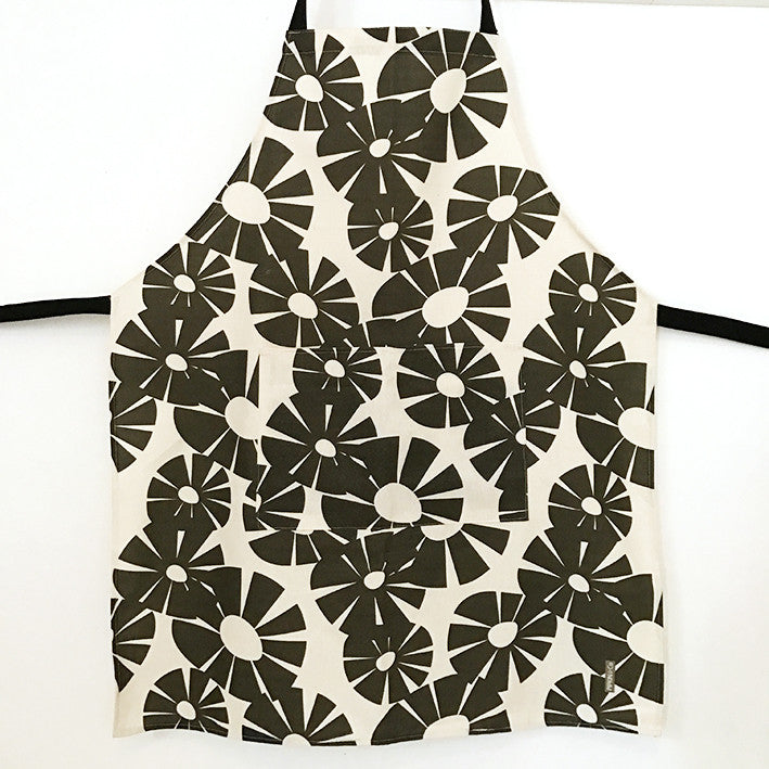Pipkin&Co Scandi Apron - Black Dandy