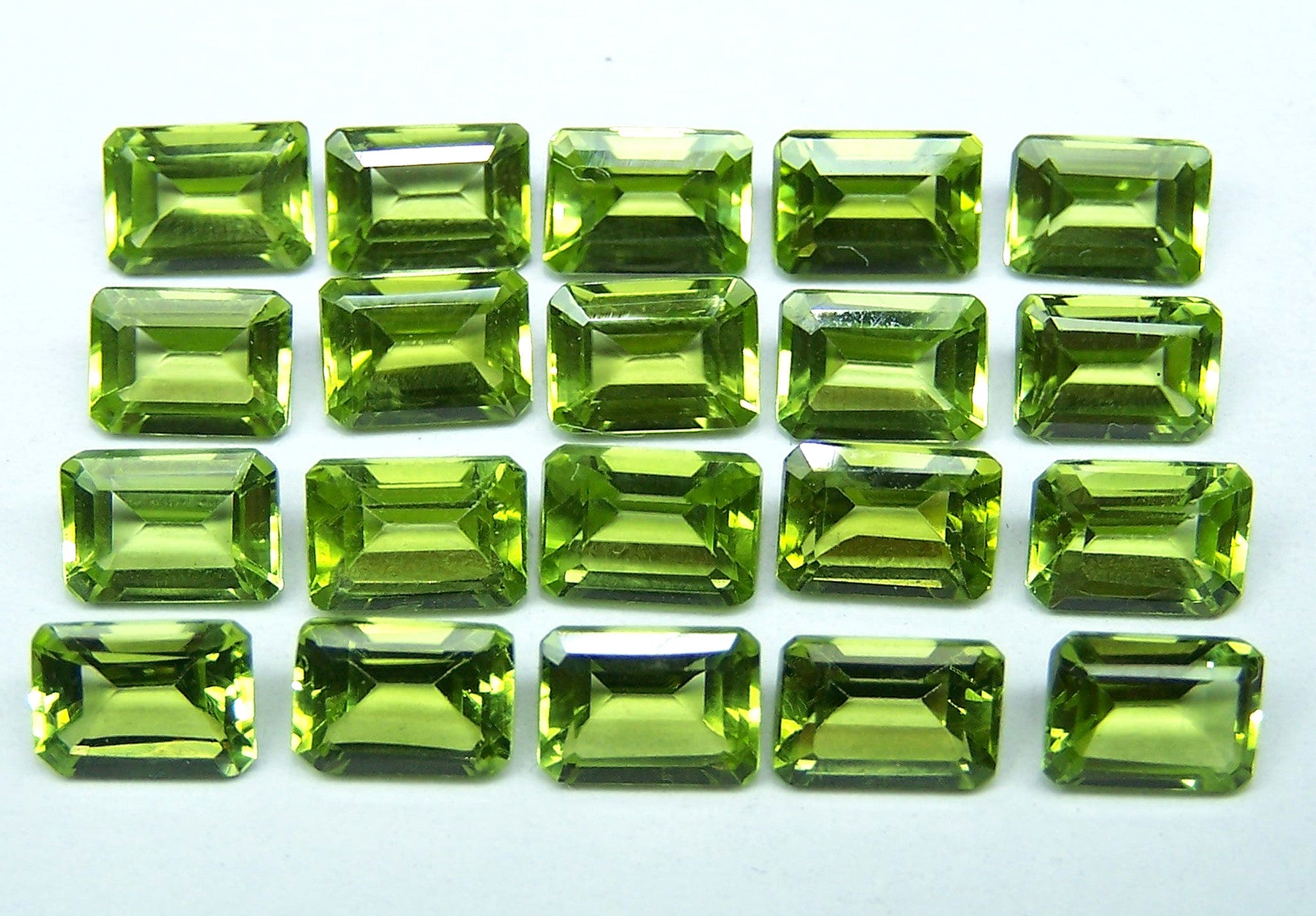 are compared investment emeralds other good wholesale emerald gems grade to a gemstones in tanzanite