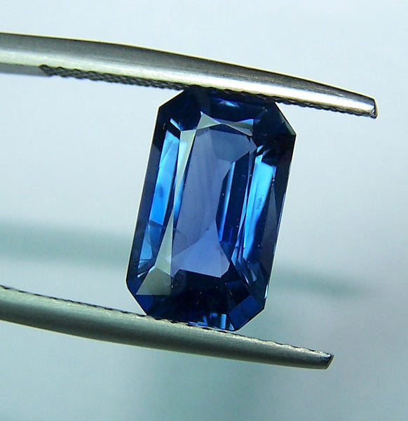 Magnificent Cornflower Blue 4.32 cts Radiant Cut Ceylon Blue Sapphire Octagon > Loose Gemstone AAA