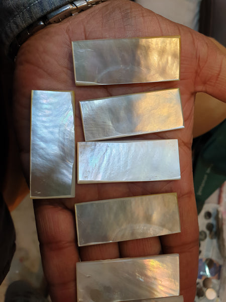 Masterpiece Collection : White/Cream Natural Mother of Pearl Rectangle Cabochon Gems > Wholesale Parcel/Lot
