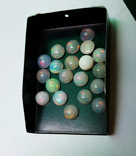 Masterpiece Collection : 8 MM Calibrated Insane Metallic Rainbow Fire Color Play Ethiopian Welo Opal Dome Cabochons 20 Pieces Loose Gemstone Lot/Parcel > AAA