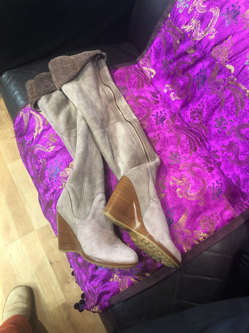 Ugg collection ,made by hand in Italy ,over the knee boots size 9 (41.5)
