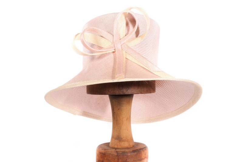 Whiteley pink hat with bow detail